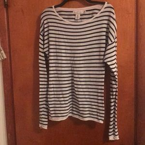 NAVY AND WHITE STRIPED LONG SLEEVE SWEATER TOP